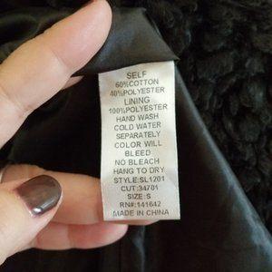 She and Sky Jackets & Coats - 🌴 She + Sky Hook Closure Faux Fur Hooded Vest